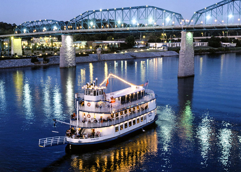 Southern Belle Riverboat on the Chattanooga River
